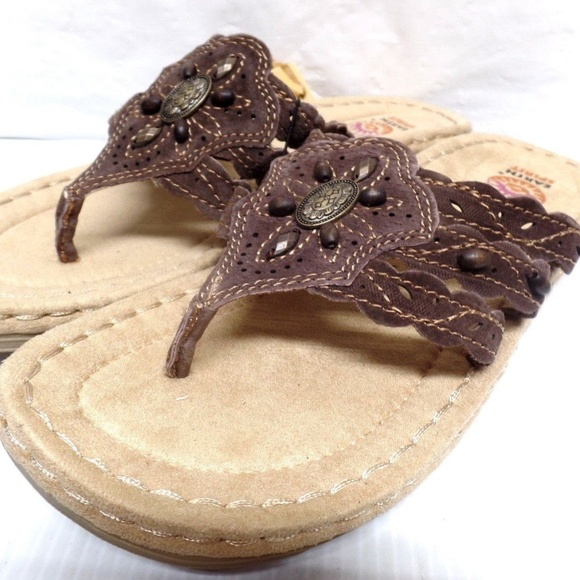 d9e50c888c1 EARTH SPIRIT LADIES FLIP FLOPS COLOR BROWN WOMENS NWT